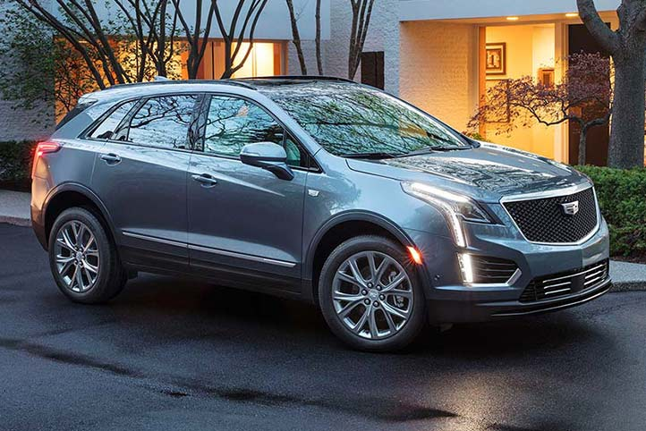 Cadillac XT5 2020, camioneta lujosa con Head up Display reflejado en el parabrisas multicolor reconfigurable